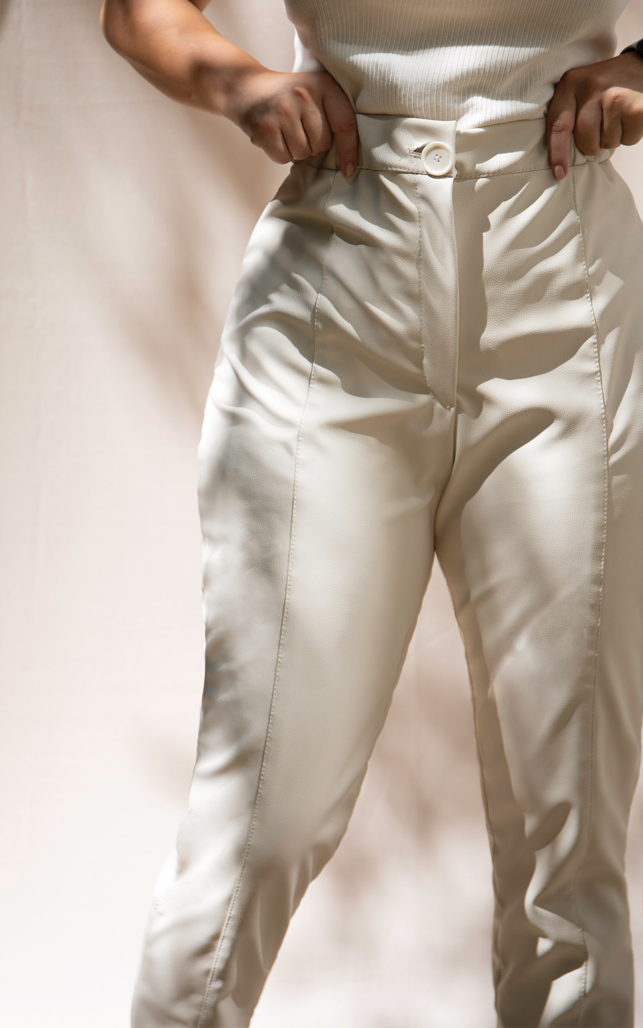 leather trousers 3